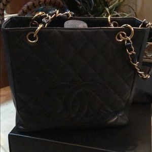 Authentic Chanel Small Tote 🎄🎁